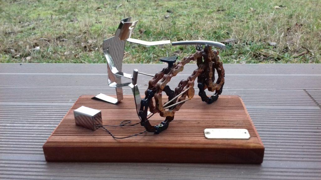 miniature de mise en scene avec velo et personnage