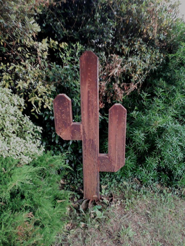 cactus géant acier rouillé