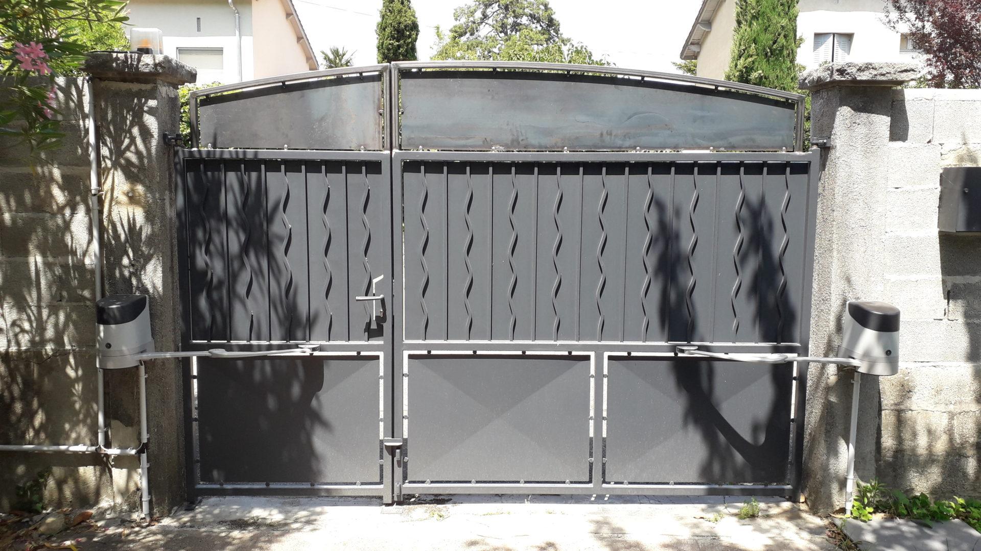 modification portail acier cintré