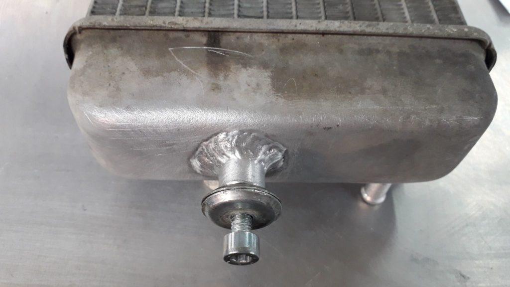 réparation radiateur moto alu