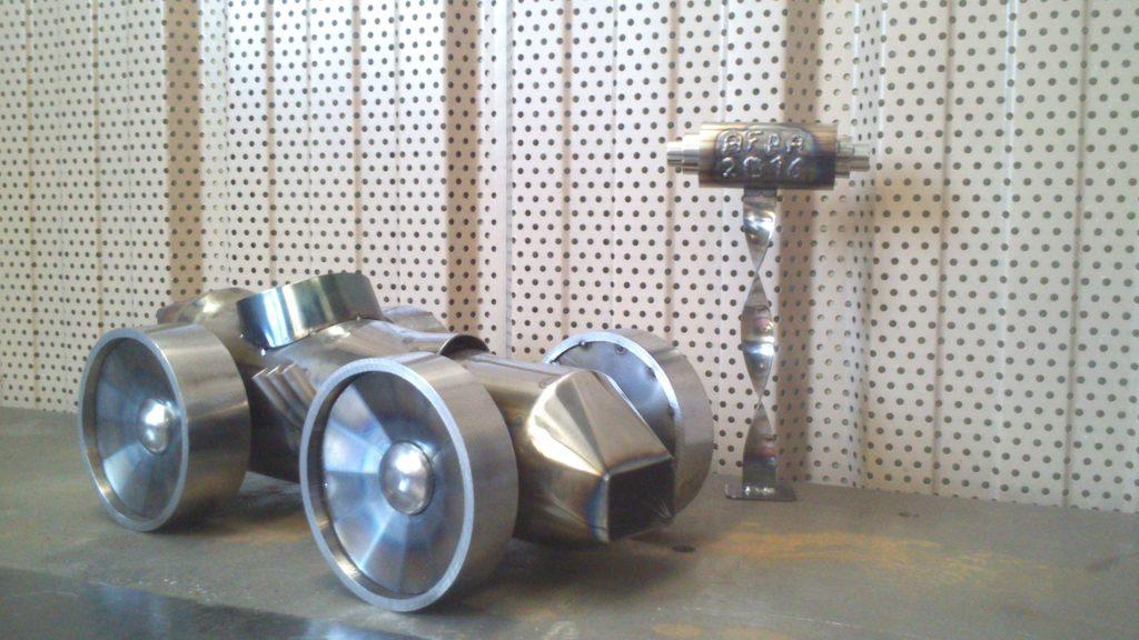 mini voiture acier poli chaudronnerie